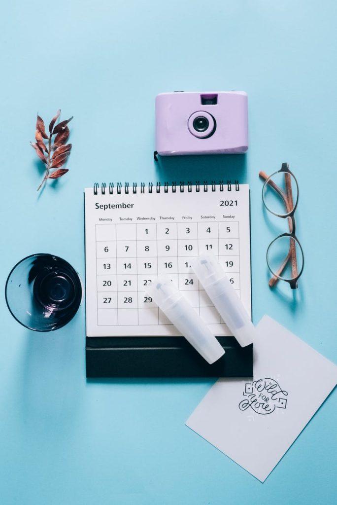 calendar flat lay